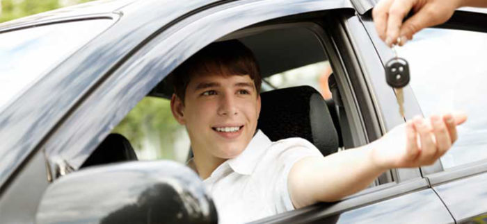 Why Should You Enrol Yourself in Driving School In Scarborough?
